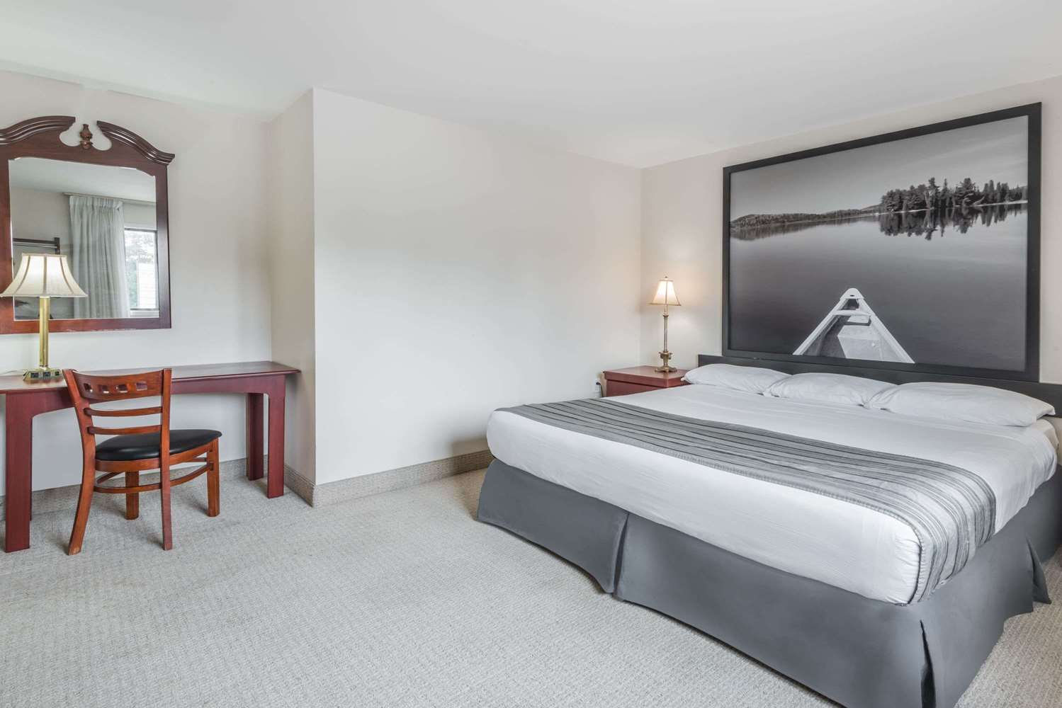 Suite - Super 8 Hotel Guelph