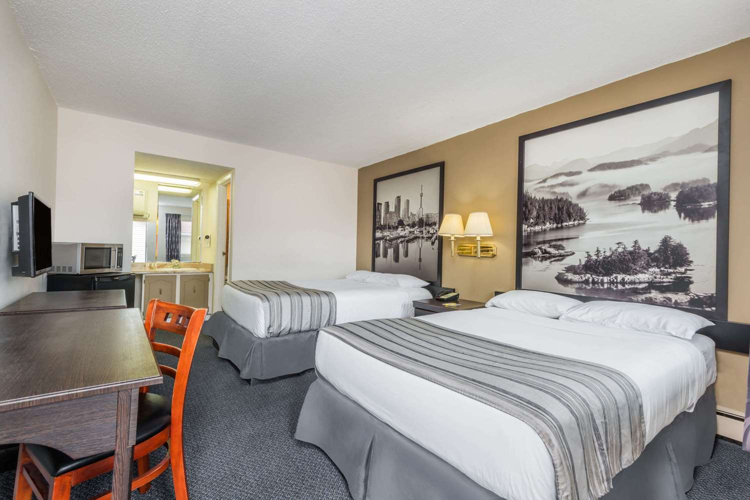 Room - Super 8 Hotel Guelph
