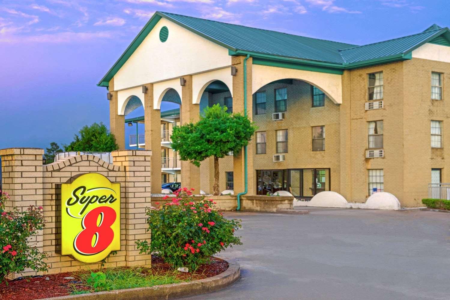 Exterior view - Super 8 Hotel Lakeland
