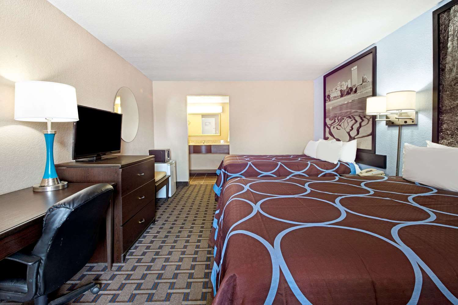 Room - Super 8 Hotel Lakeland