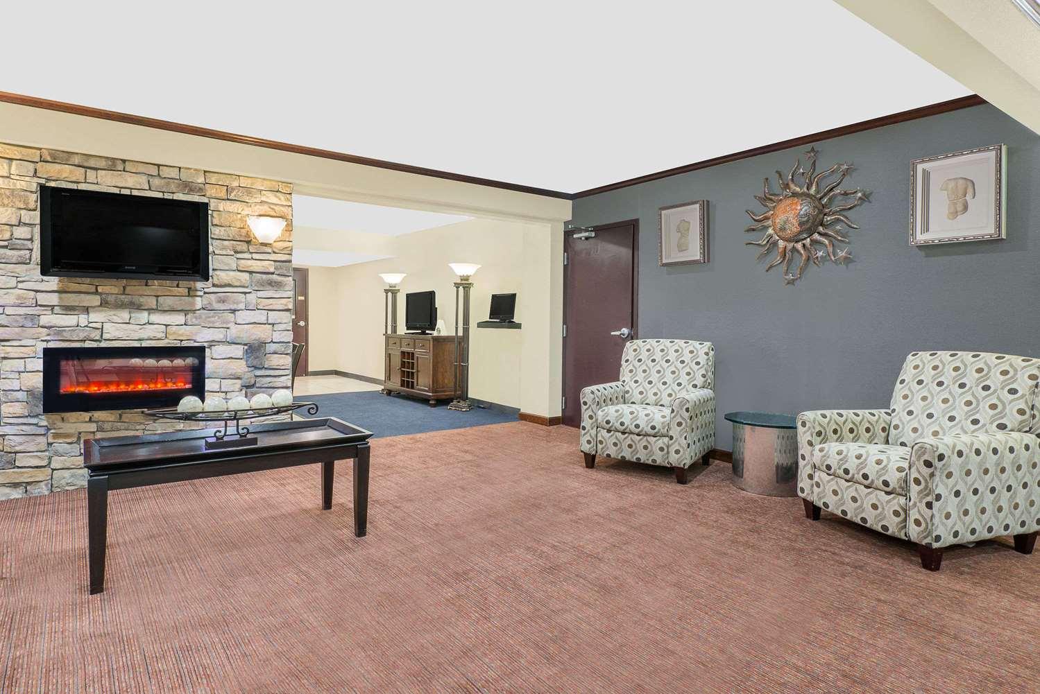 Lobby - Travelodge Lima