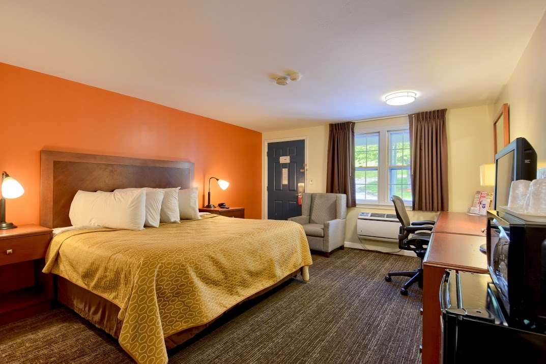 Room - Knights Inn Danvers