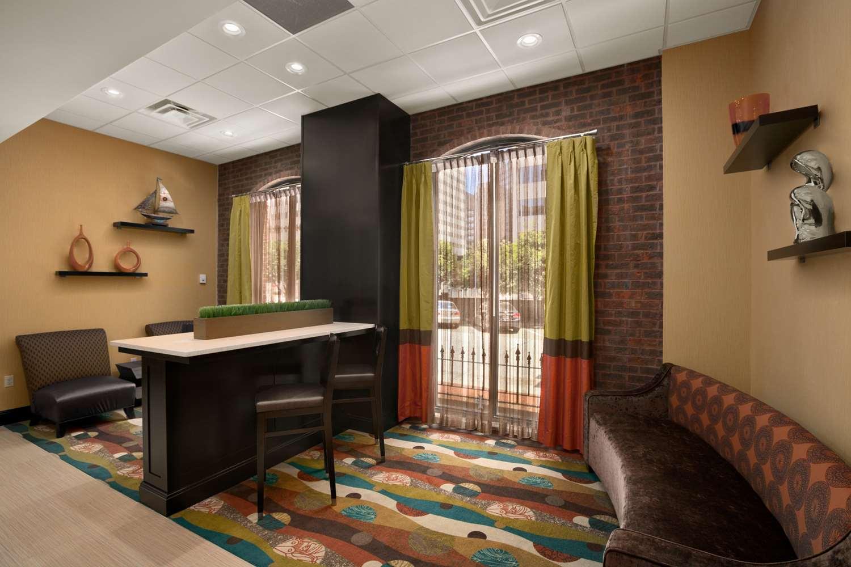 Lobby - Days Inn Camden Yards Baltimore
