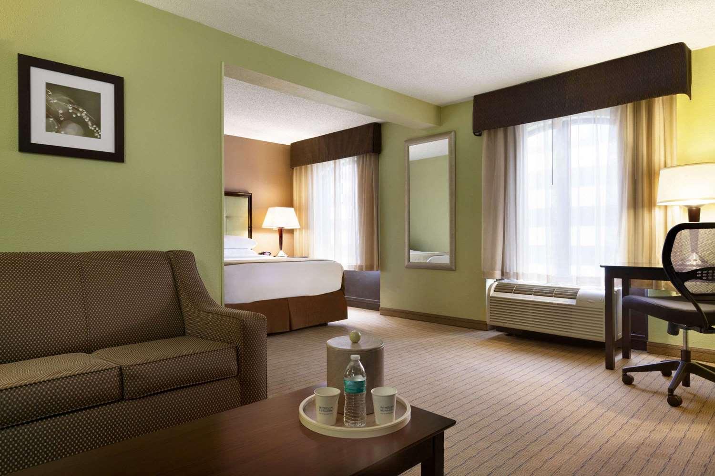 Room - Days Inn Camden Yards Baltimore
