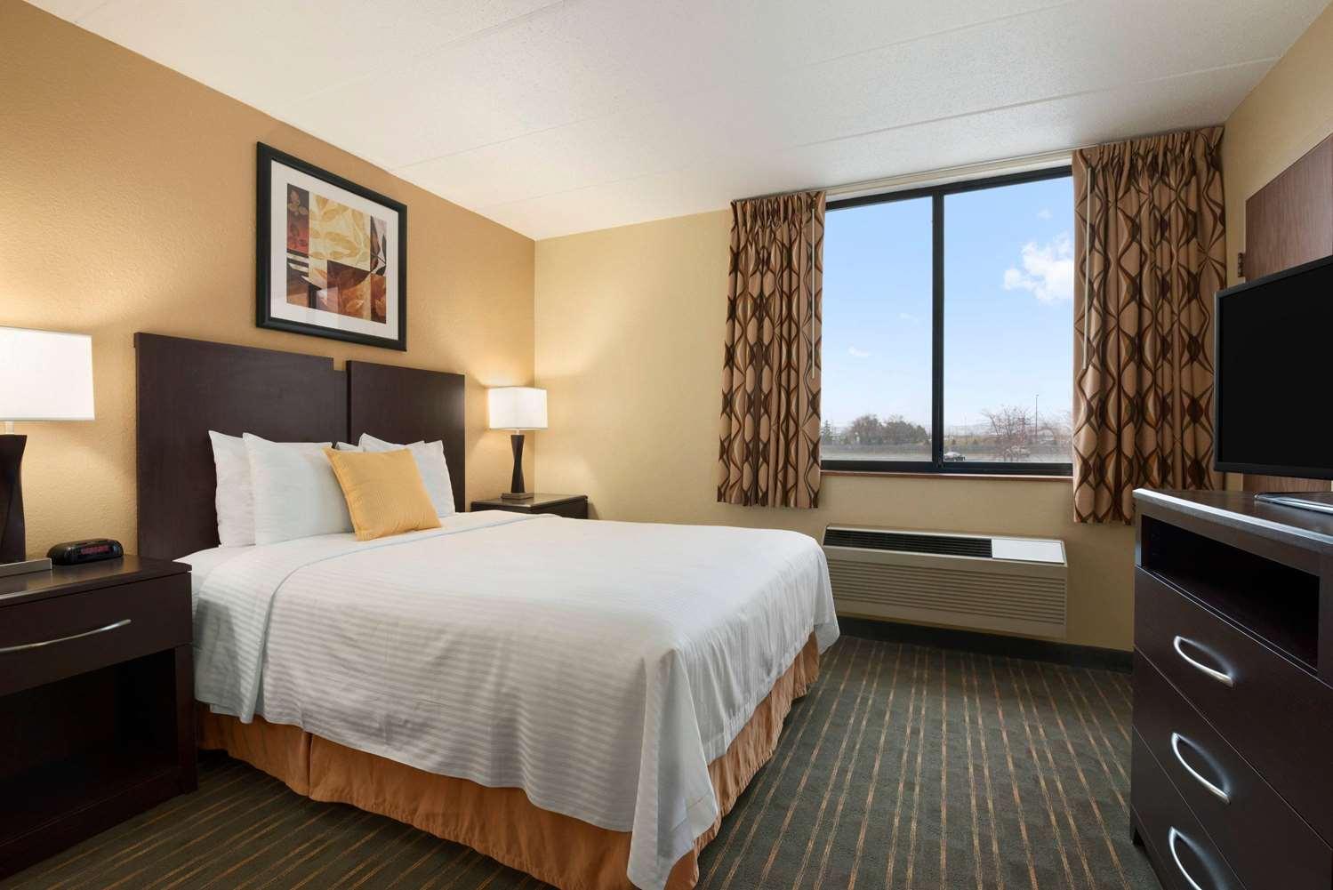 Room - Days Inn University Avenue Southeast Minneapolis