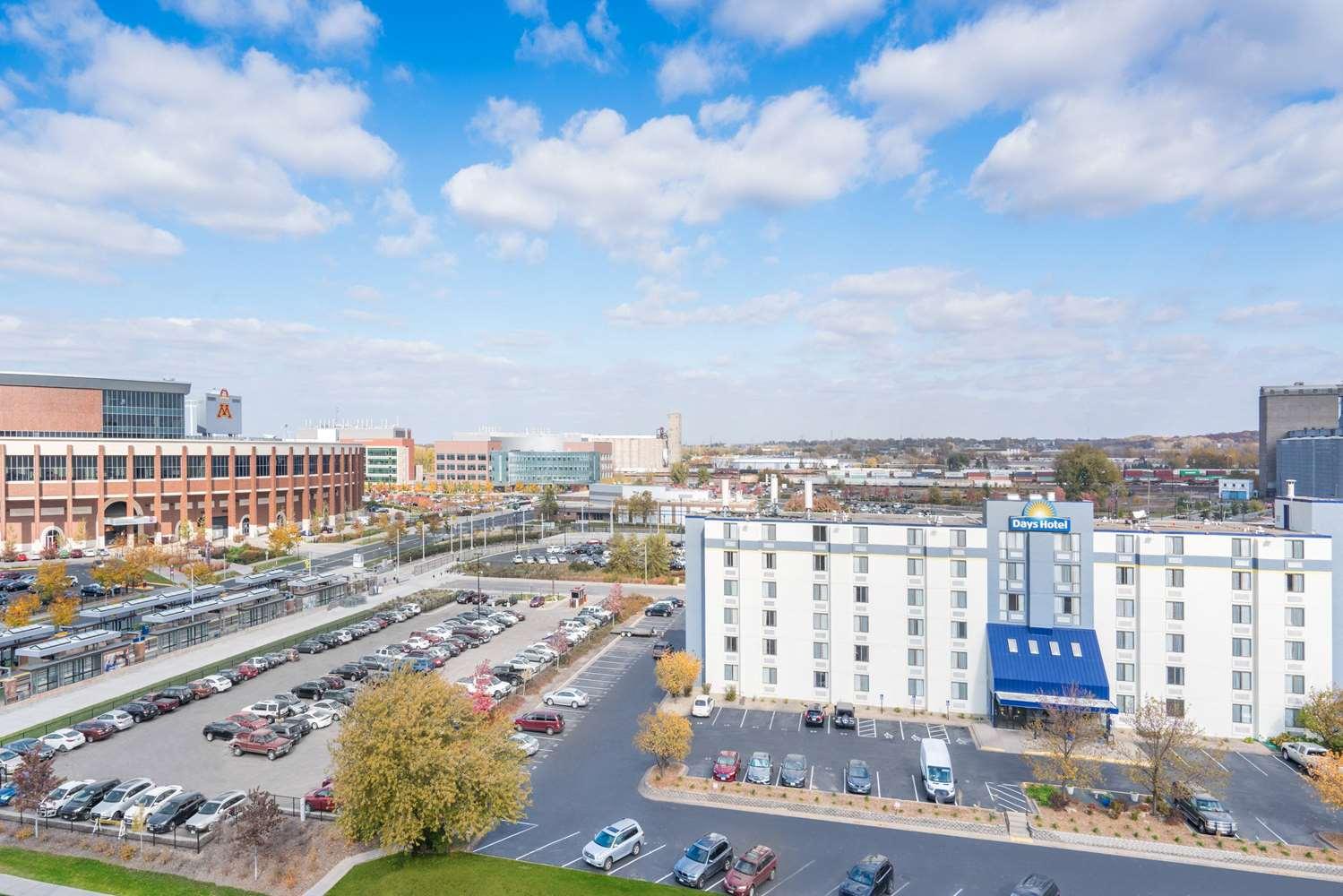 Exterior view - Days Inn University Avenue Southeast Minneapolis