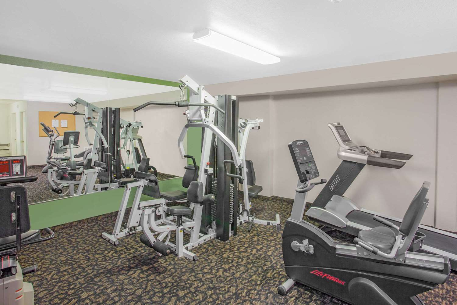 Fitness/ Exercise Room - Super 8 Hotel Barstow