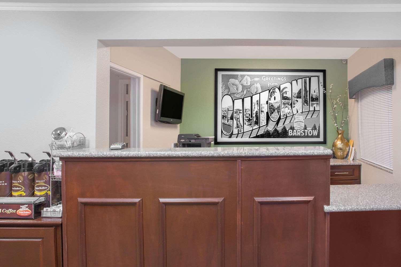 Lobby - Super 8 Hotel Barstow