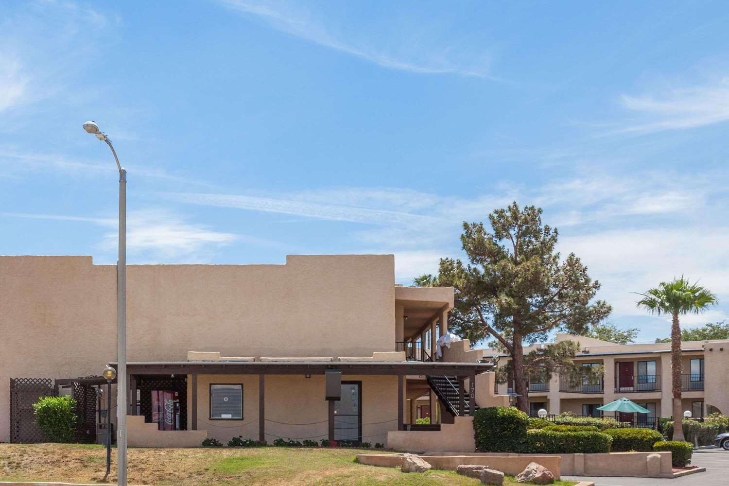 Exterior view - Super 8 Hotel Barstow
