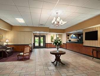 Lobby - Days Inn Butler