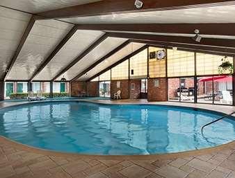 Pool - Days Inn Butler