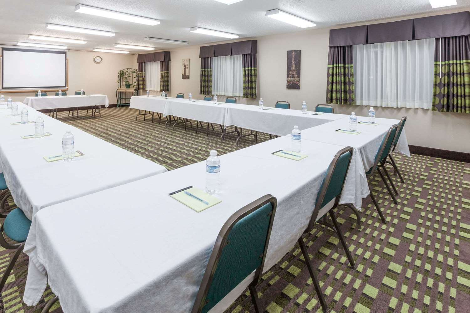 Meeting Facilities - Super 8 Hotel Bedford
