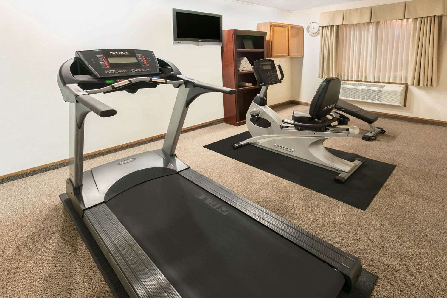 Fitness/ Exercise Room - Super 8 Hotel DFW Airport Northwest Grapevine