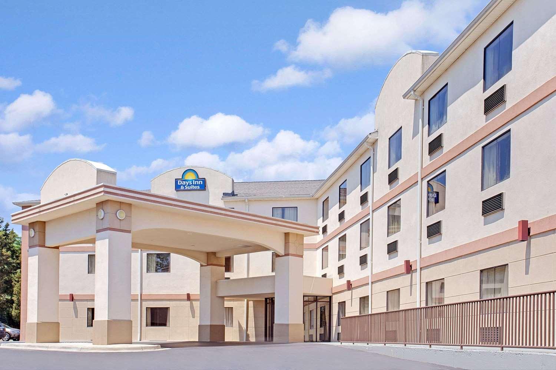 Exterior view - Days Inn & Suites Laurel