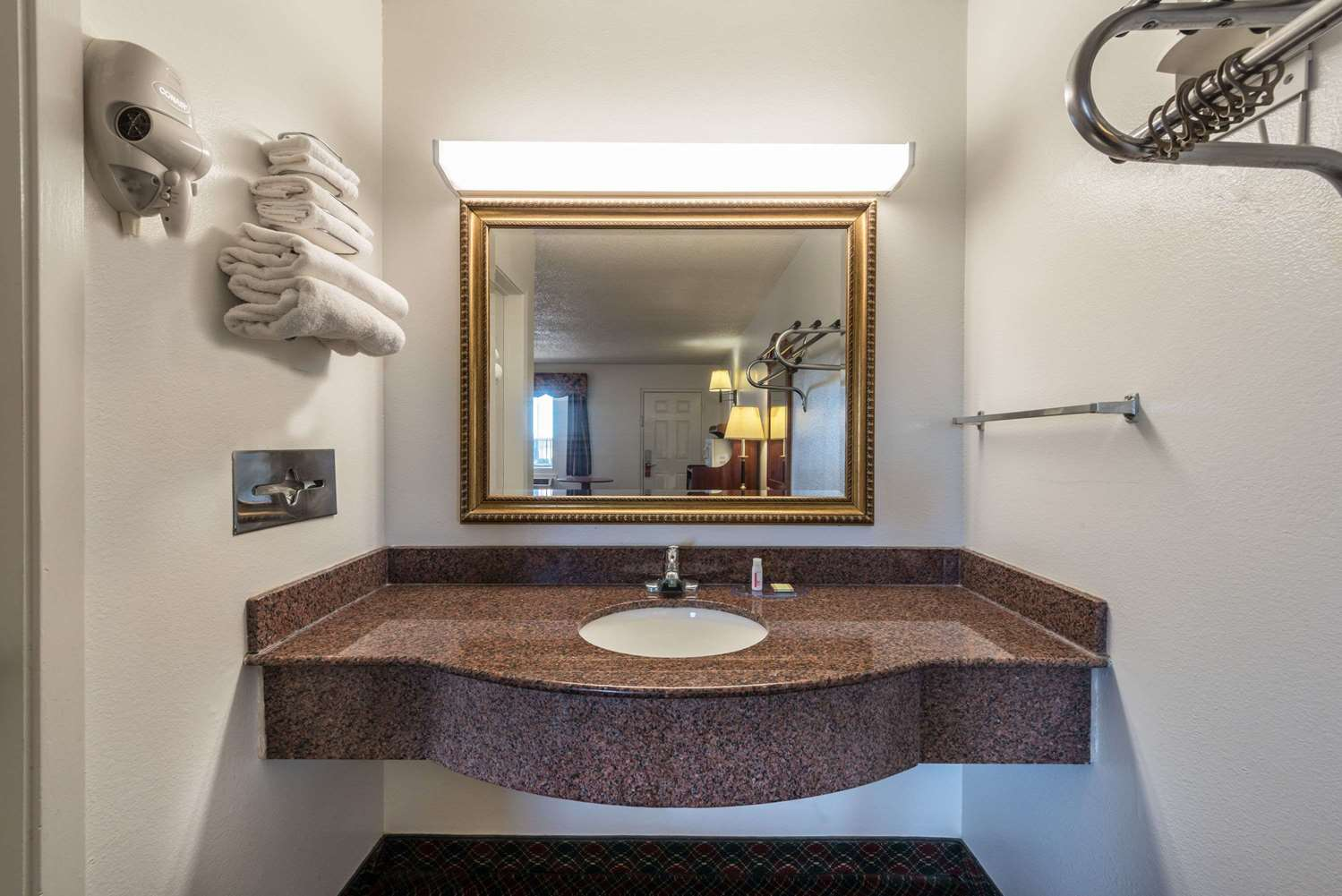 Room - Super 8 Hotel Eastland