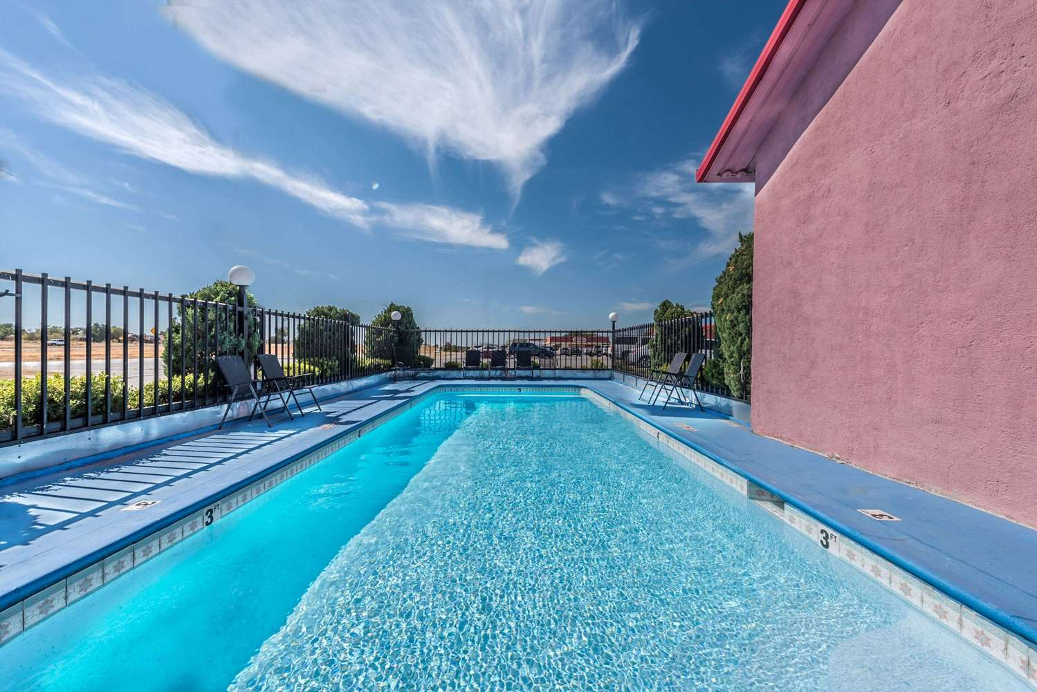 Pool - Super 8 Hotel Eastland
