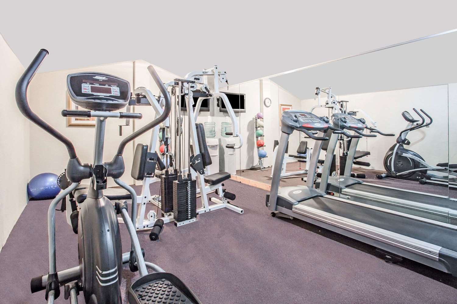 Fitness/ Exercise Room - Super 8 Hotel Camp Springs