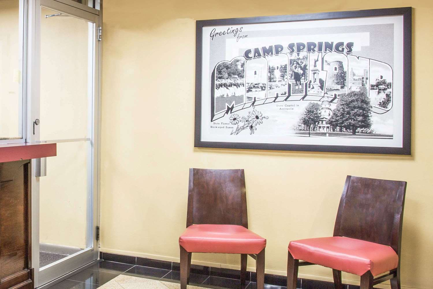Lobby - Super 8 Hotel Camp Springs
