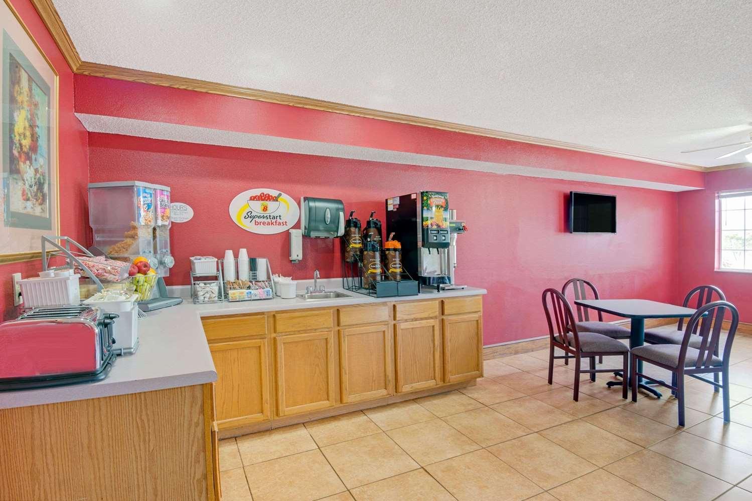 proam - Super 8 Hotel Riverside