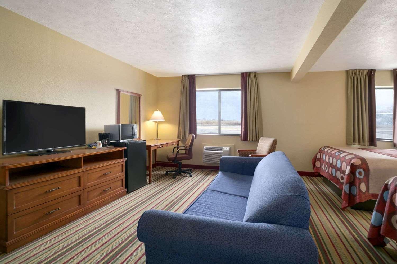 Suite - Super 8 Hotel Park City