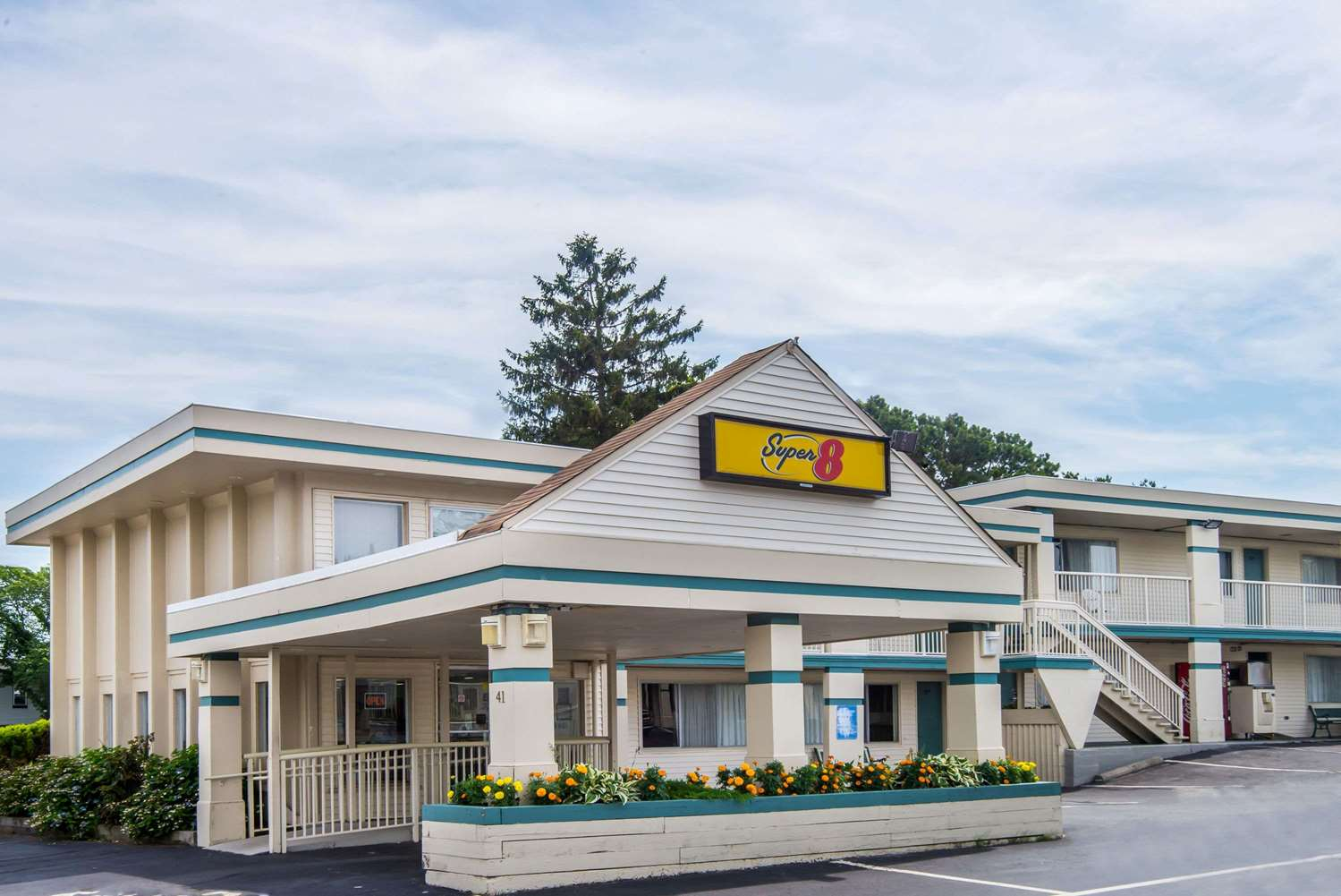 Exterior view - Super 8 Hotel West Yarmouth