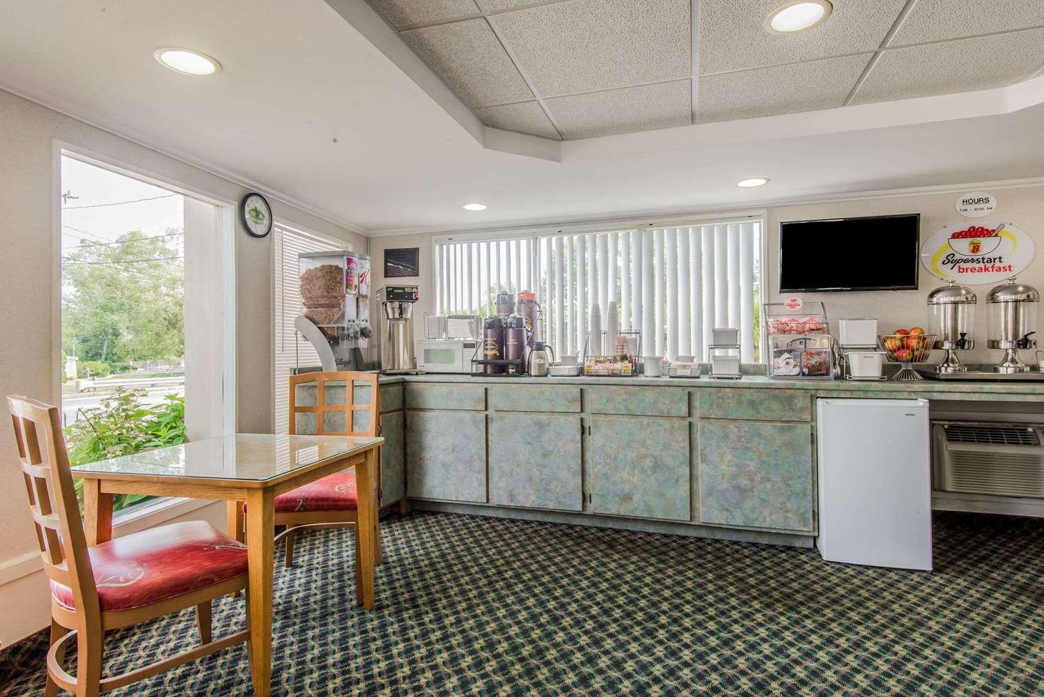 proam - Super 8 Hotel West Yarmouth