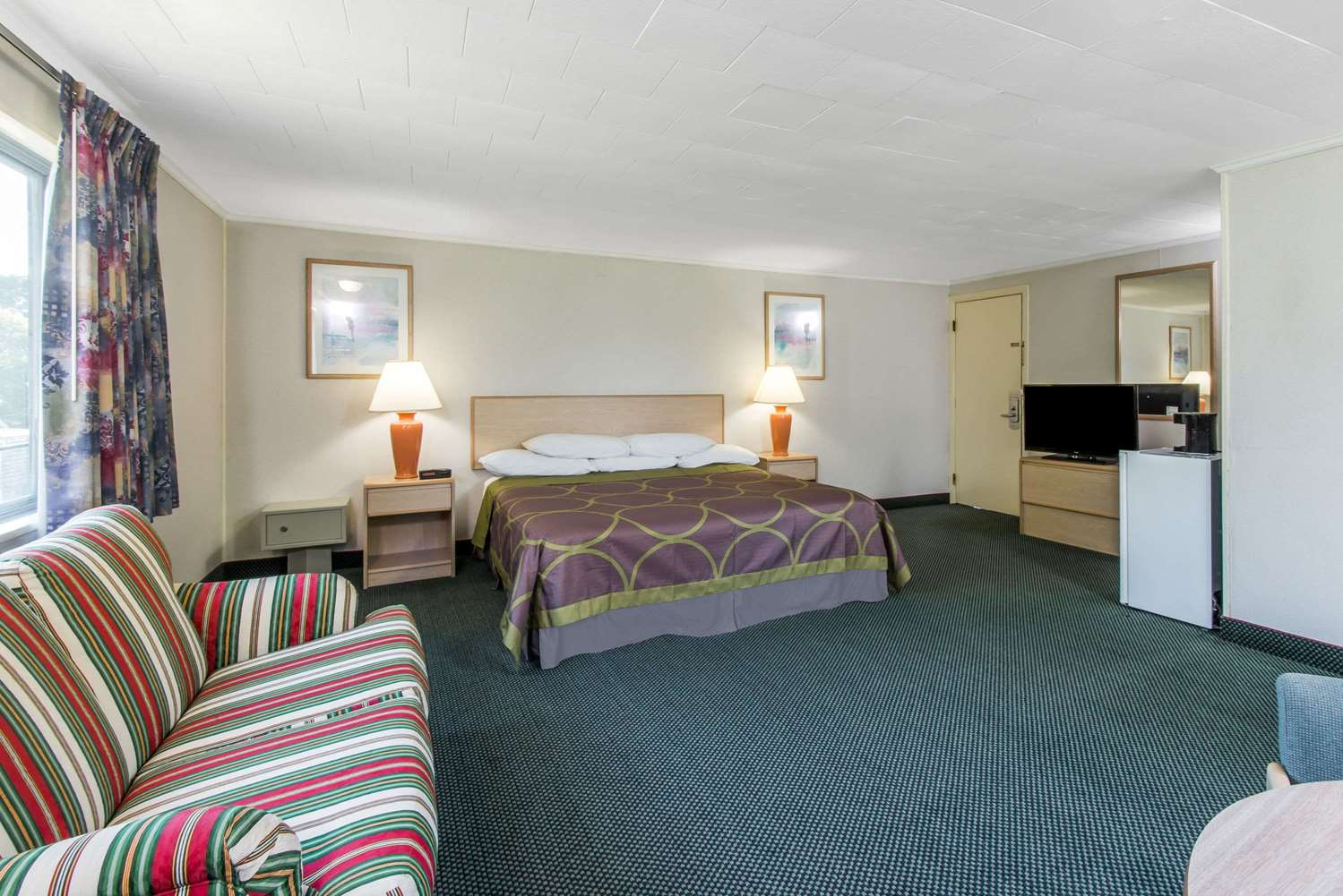 Room - Super 8 Hotel West Yarmouth