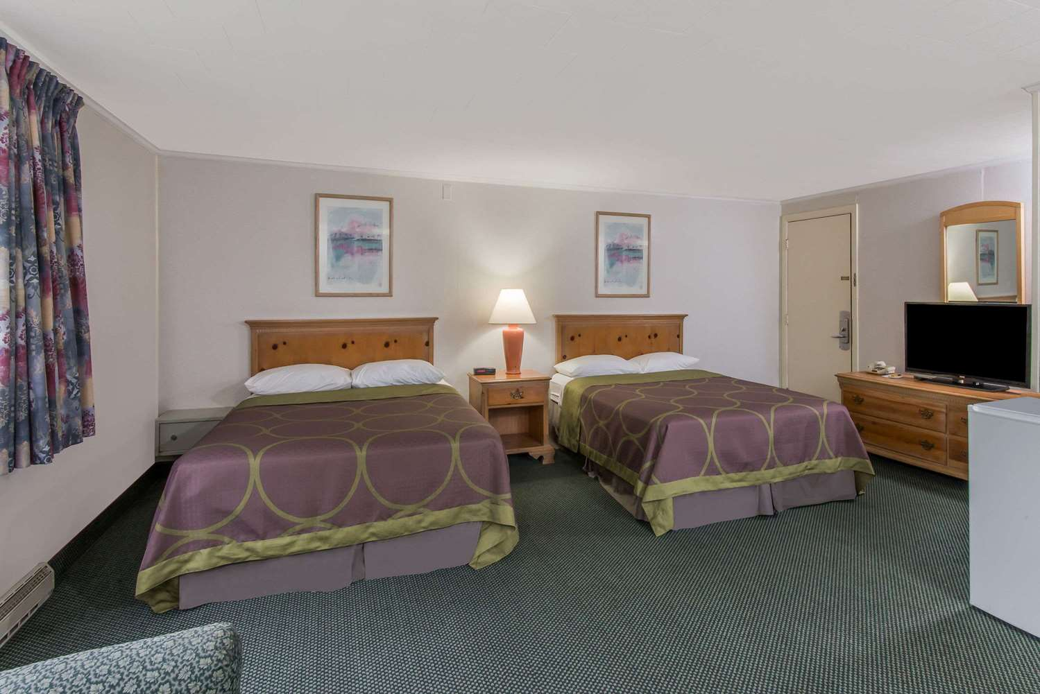 Suite - Super 8 Hotel West Yarmouth