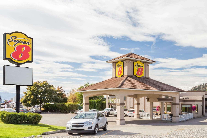 Exterior view - Super 8 Hotel East Kelowna
