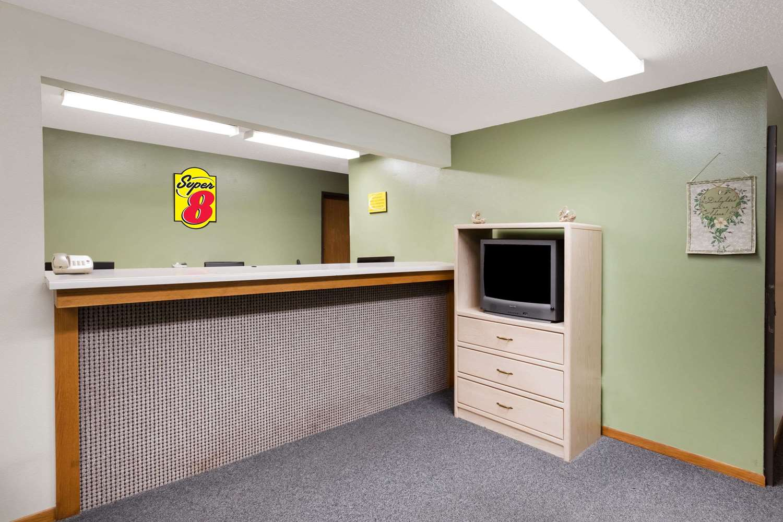 Lobby - Super 8 Hotel Estherville