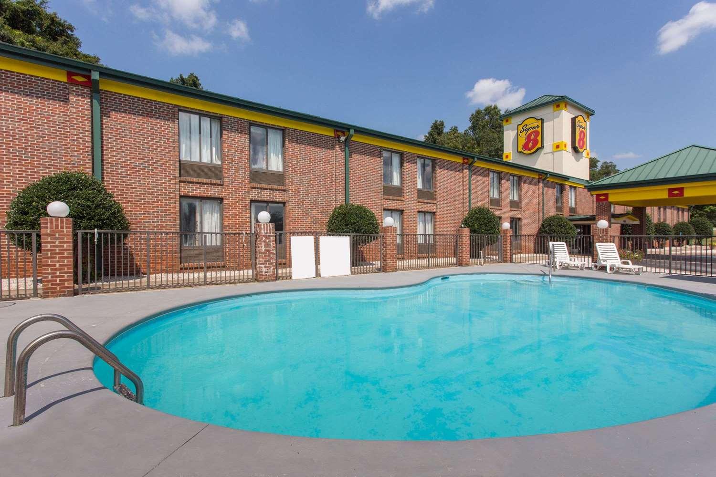 Pool - Super 8 Hotel Spartanburg