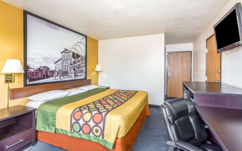 Room - Super 8 Hotel Gilbert Road Mesa