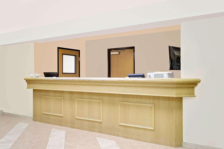 Lobby - Super 8 Hotel Battle Mountain