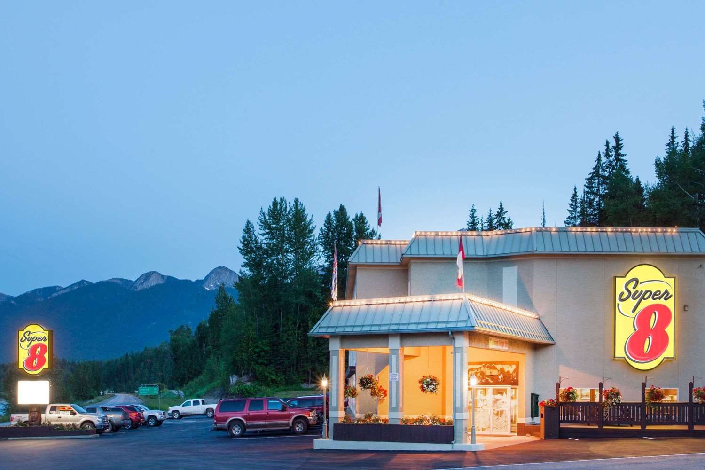 Exterior view - Super 8 Hotel Fernie