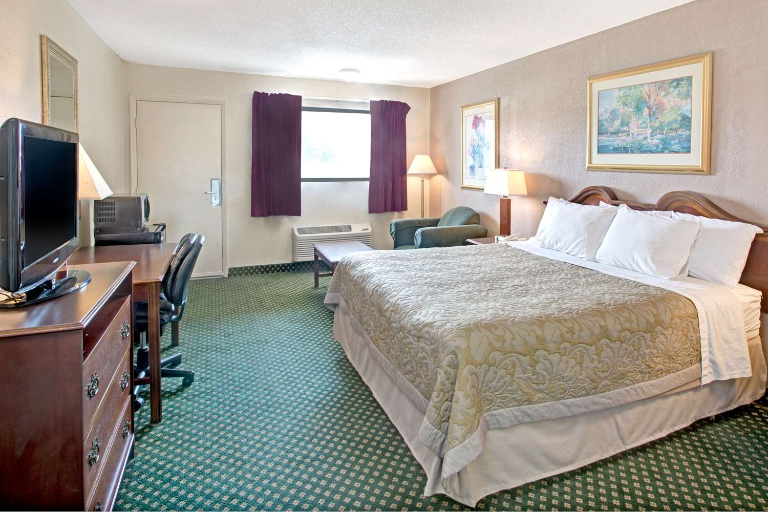 Room - Super 8 Hotel Shelby