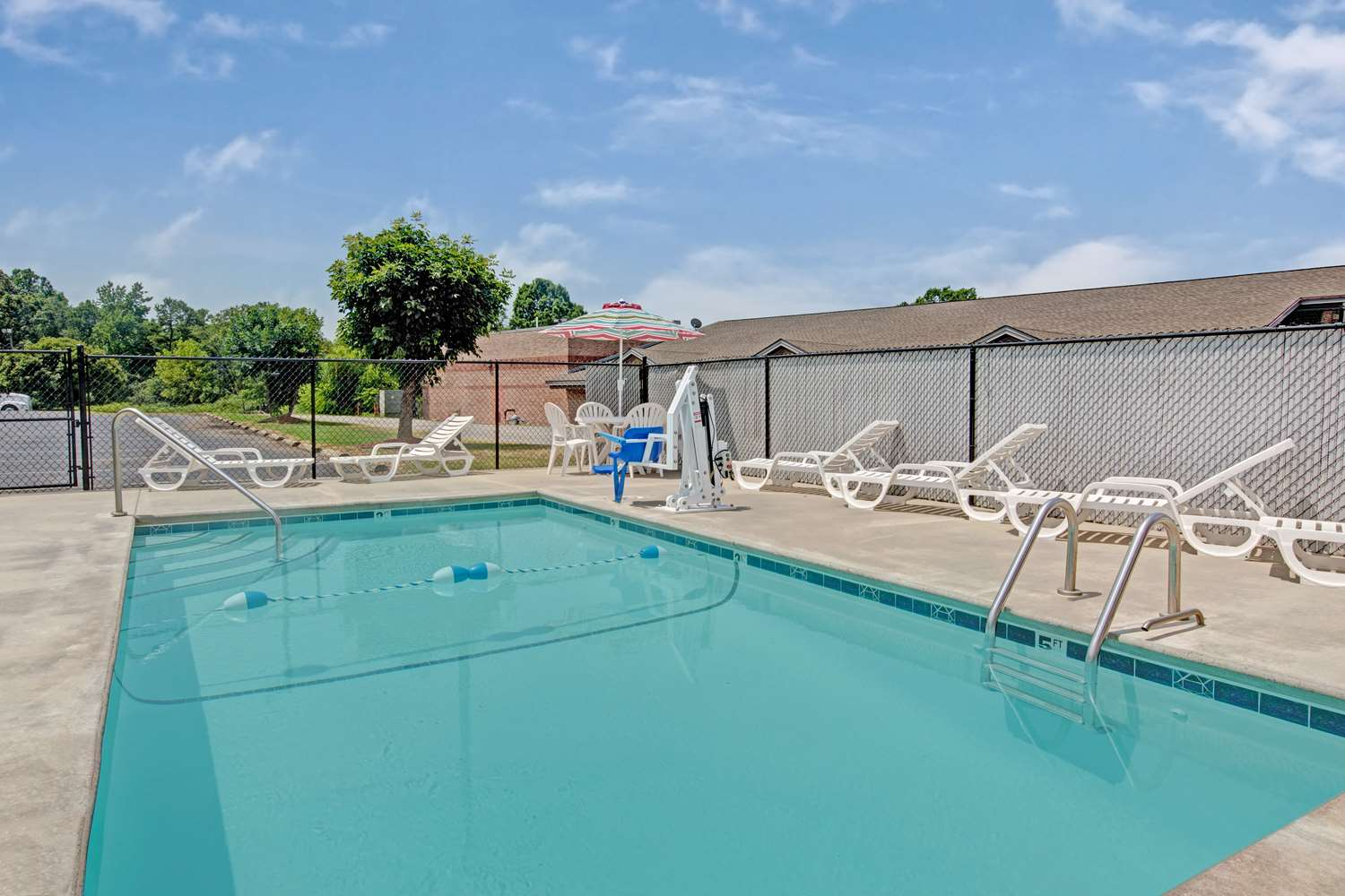 Pool - Super 8 Hotel Shelby