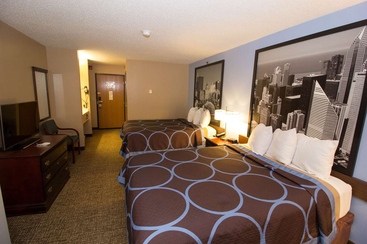 Room - Super 8 Hotel O'Hare Airport Elk Grove Village