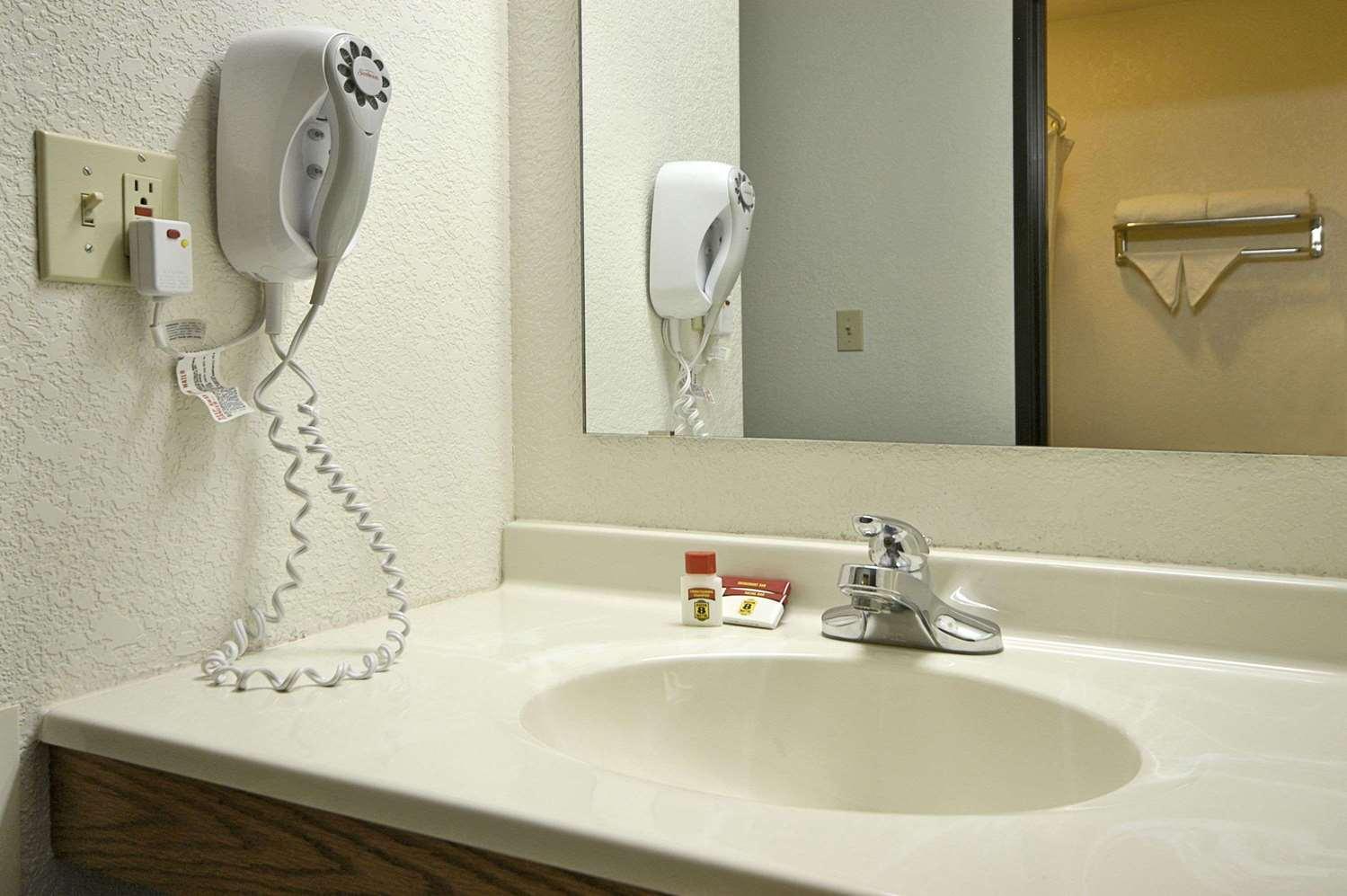 Room - Super 8 Hotel Prescott Valley