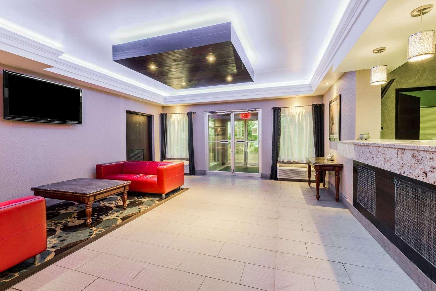 Lobby - Super 8 Hotel Mars
