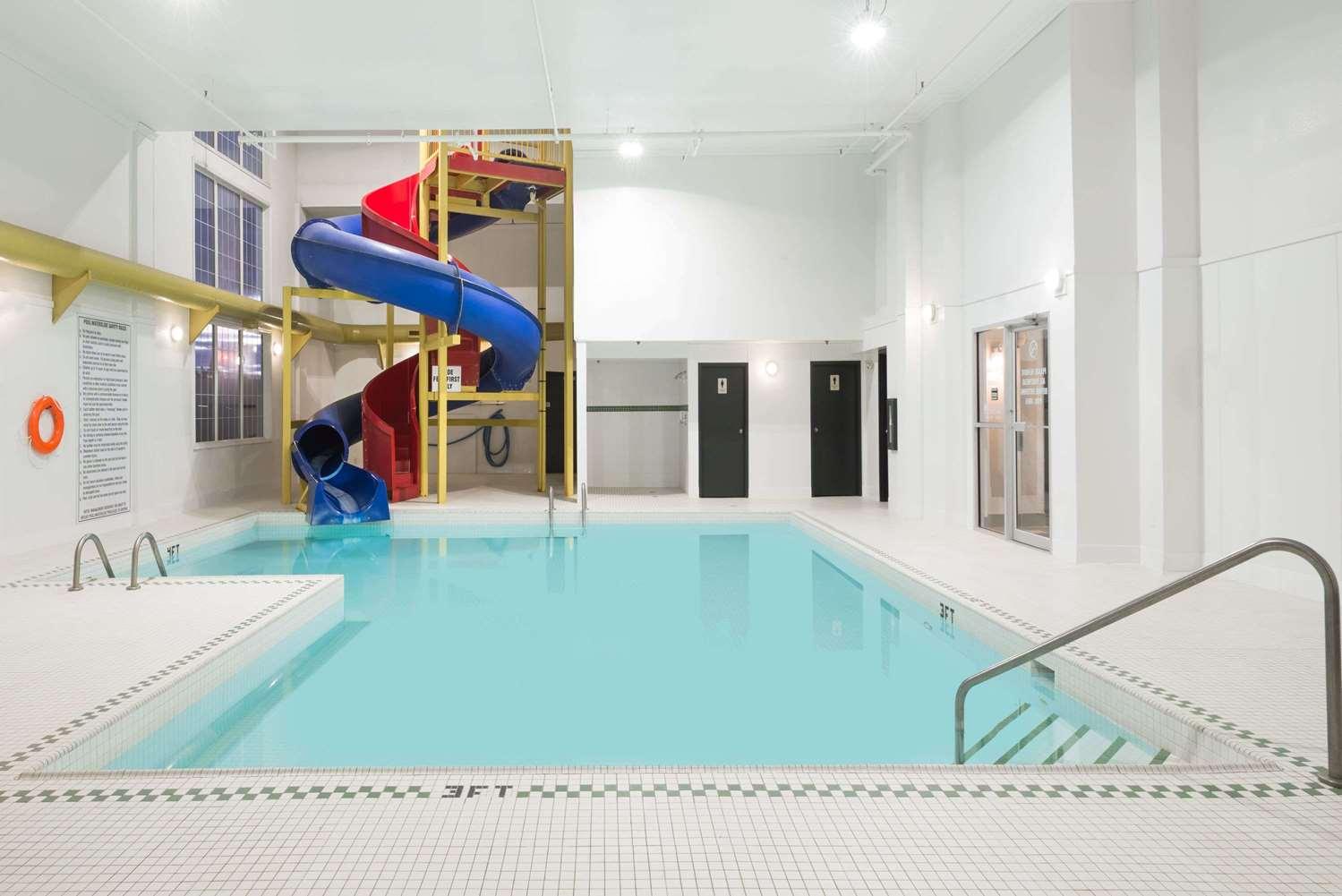Pool - Super 8 Hotel Grande Prairie