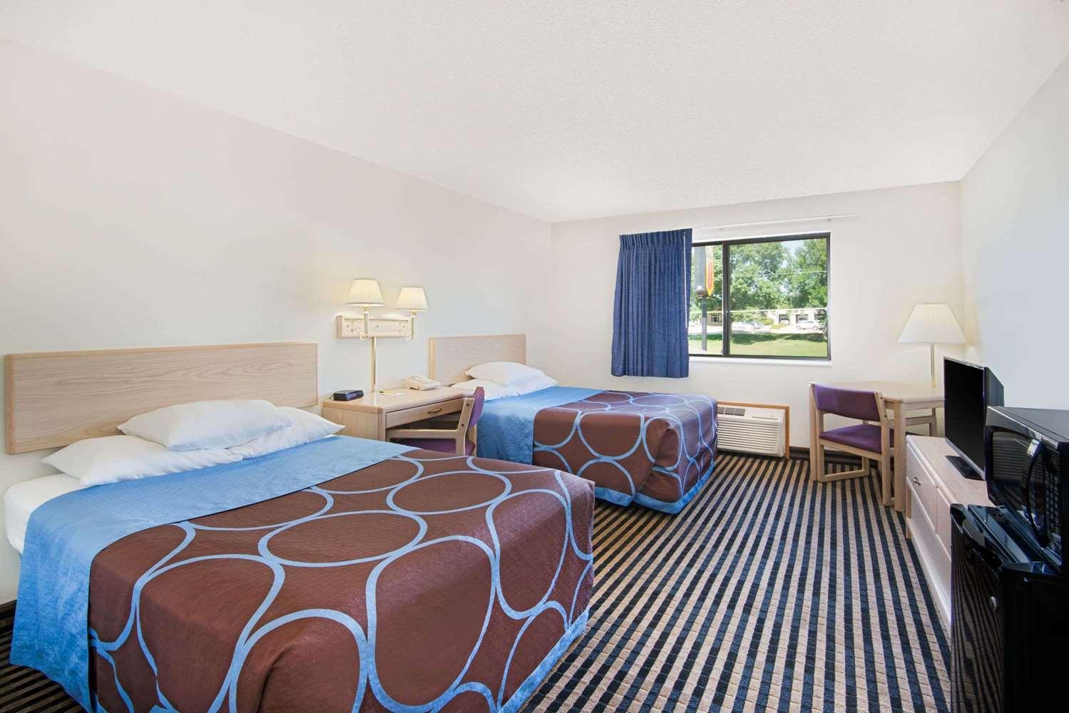 Room - Super 8 Hotel Humboldt