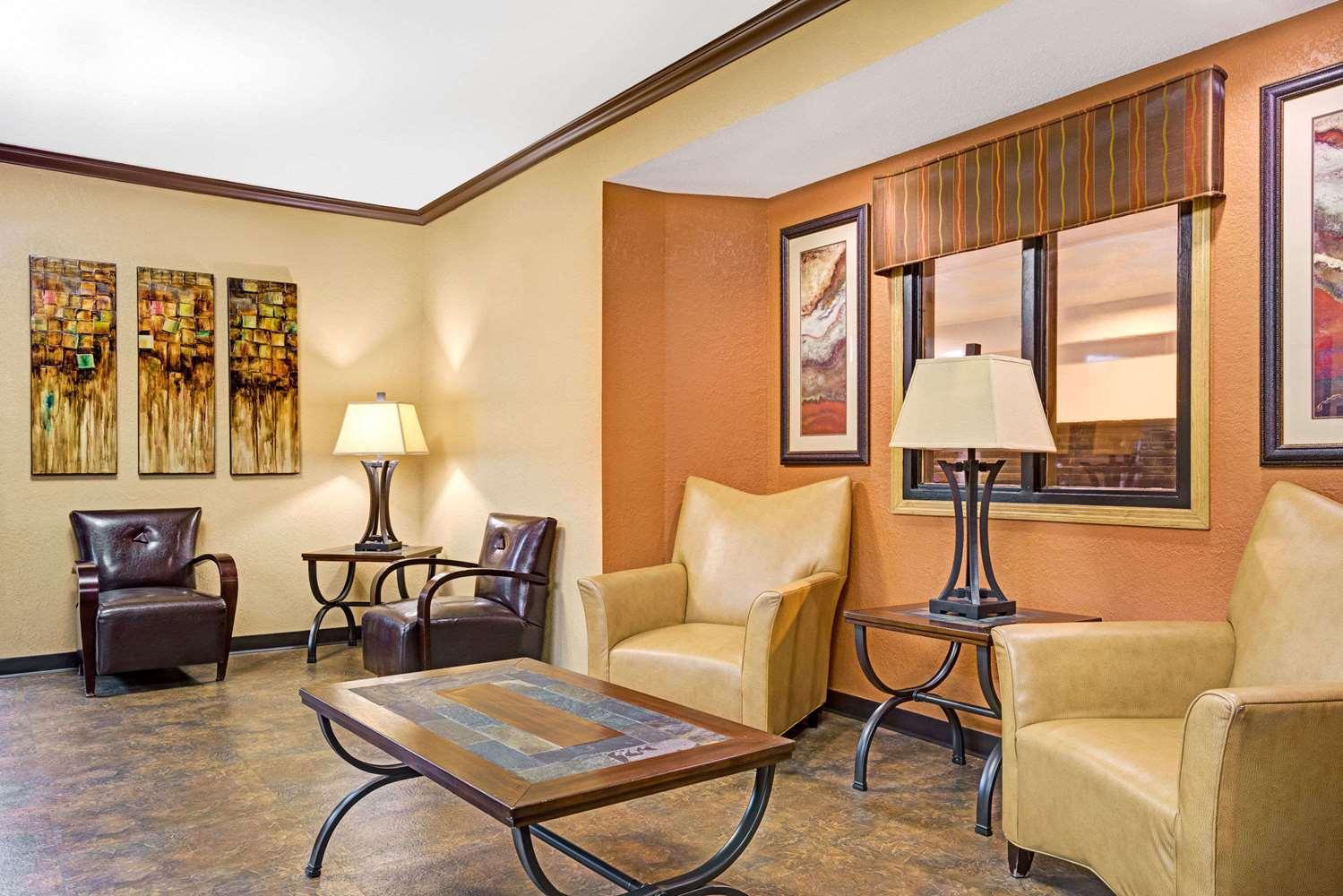 Lobby - Super 8 Hotel Blaine