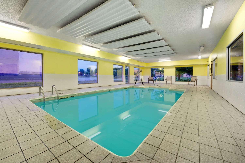 Pool - Super 8 Hotel Kokomo