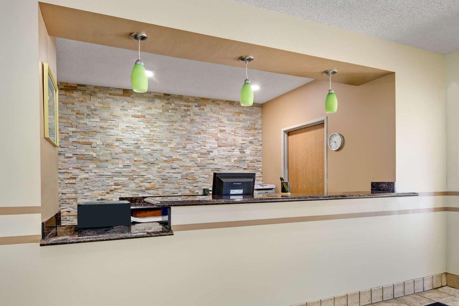 Lobby - Super 8 Hotel Kokomo