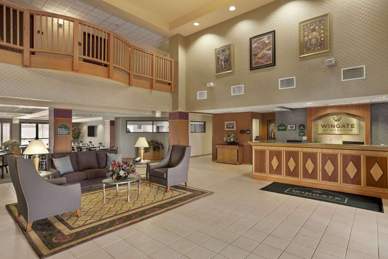 Lobby - Wingate by Wyndham Hotel Pueblo