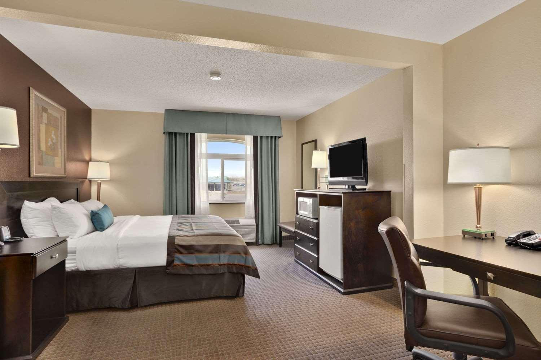 Room - Wingate by Wyndham Hotel Pueblo