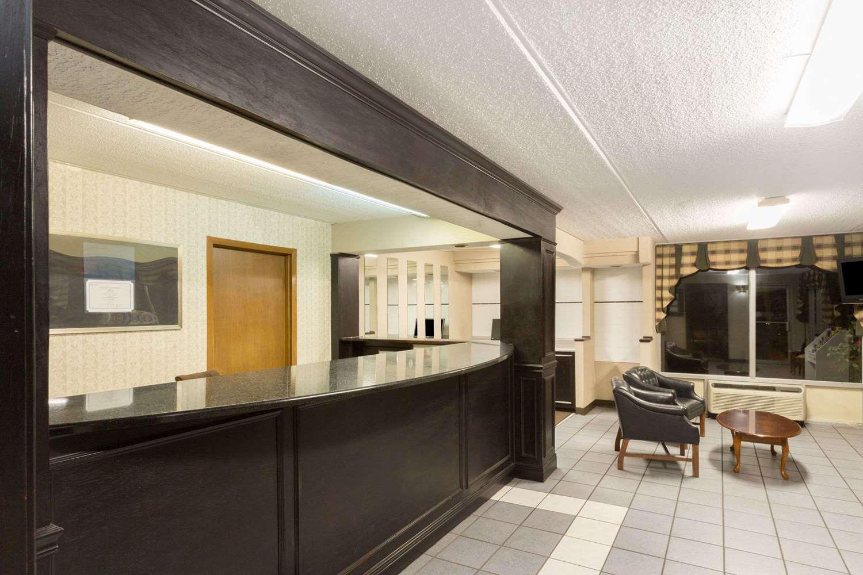 Lobby - Super 8 Hotel I-85 Kingsport