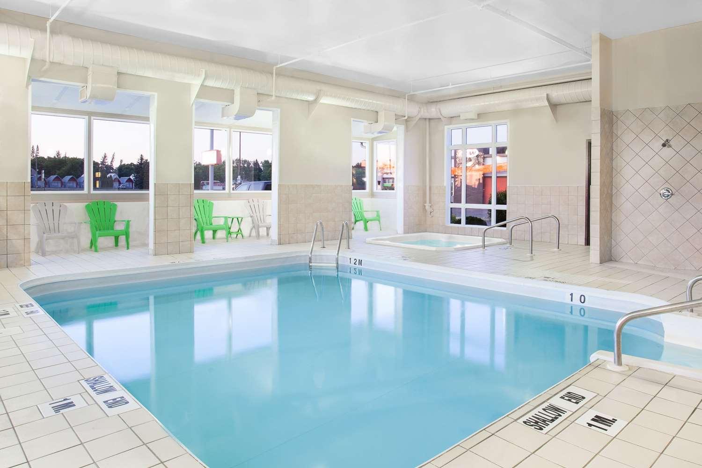 Meeting Facilities - Super 8 Hotel Brandon