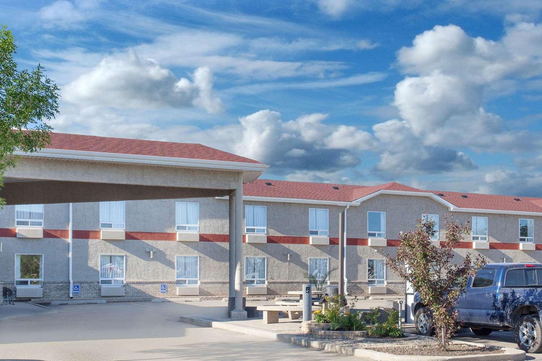 Exterior view - Super 8 Hotel Brandon