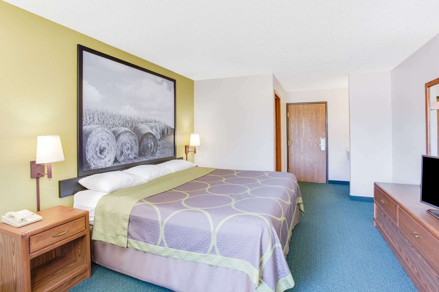Room - Super 8 Hotel Oelwein